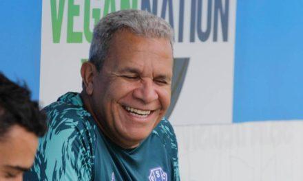 Hélio dos Anjos quer dar vitória como presente para mulheres bicolores no dia do Re-Pa