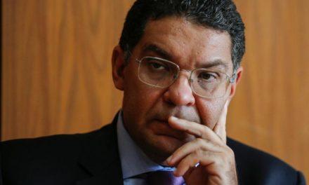 Governo ainda estuda como repassar R$ 10 bi para Saúde combater coronavírus
