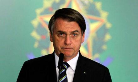 Bolsonaro se nega a mostrar exames que, segundo ele, deram negativo para coronavírus