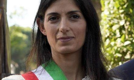 Prefeita de Roma dá bronca em pessoas que passeavam em parque