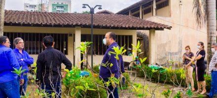 Prefeito visita prédio doado pela Albras que será transformado em hospital de campanha