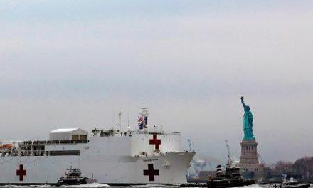 Navio-hospital em Nova York não aceita pacientes com covid-19 e é criticado