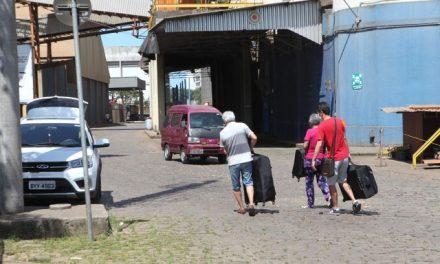Brasileiros são autorizados a desembarcar de navio com casos de coronavírus