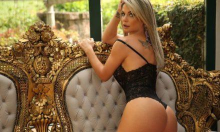 Ícone da Playboy faz ensaio sensual e dá dicas para as mulheres