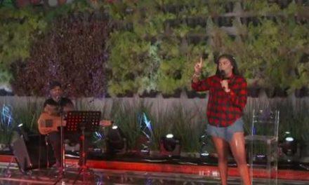Ludmilla cai em piscina durante transmissão de live