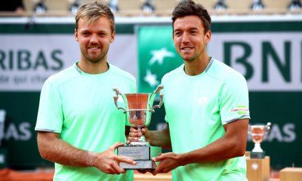 Campeão de duplas em Roland Garros em 2019 trabalha em mercado durante a pandemia
