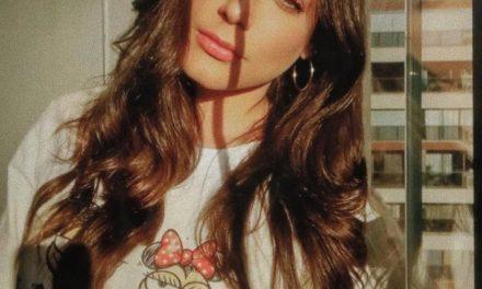 Mari Gonzalez fala sobre cuidado com corpo e arrependimento de tatuagem: 'Removendo com laser'