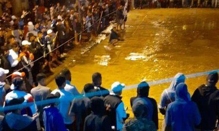 Multidão sem proteção reunida em partida de futebol causa revolta de autoridades