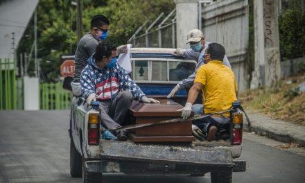 'Enterros expressos' escondem a passagem da pandemia na Nicarágua
