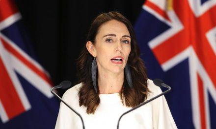 Premiê propõe semana com 4 dias de trabalho para reestruturar Nova Zelândia
