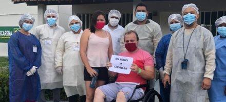 Primeiro paciente recuperado recebe alta do Hospital de Campanha