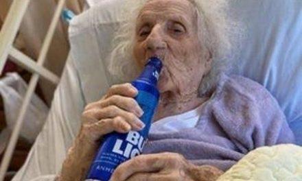 Mulher de 103 anos se recupera do novo coronavírus