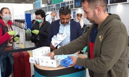 Reino Unido adota polêmica quarentena de visitantes que chegam do exterior