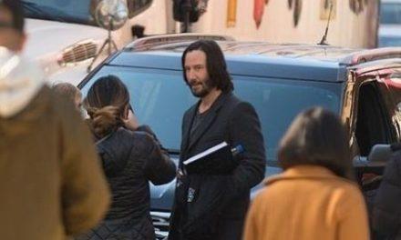 Keanu Reeves diz que Matrix 4 tem roteiro lindo e incrivelmente profundo