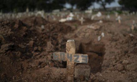 Brasil tem 38.543 mortes por Covid, aponta consórcio de veículos de imprensa