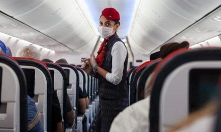 Serviço de bordo e até comida de avião mudaram por causa da pandemia