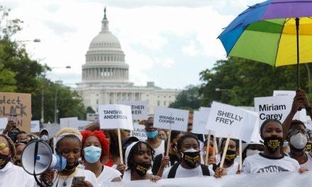 Norte-americanos celebram fim da escravidão com protestos e atos pelo país