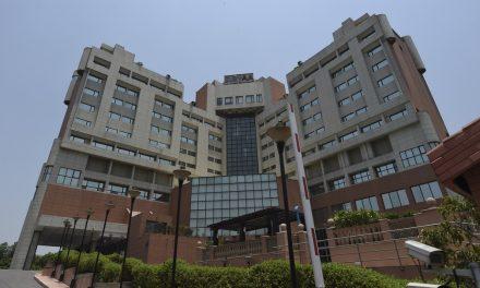 Hotéis de luxo repaginados como enfermarias de Covid-19 na Índia
