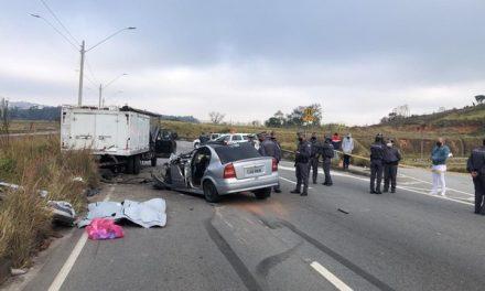 Acidentes com 7 veículos deixam ao menos 3 mortos e 3 feridos na Grande SP