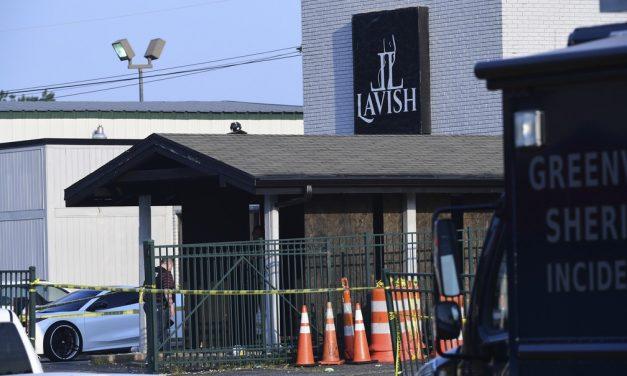 Tiroteio em boate na Carolina do Sul deixa 2 mortos e 8 feridos