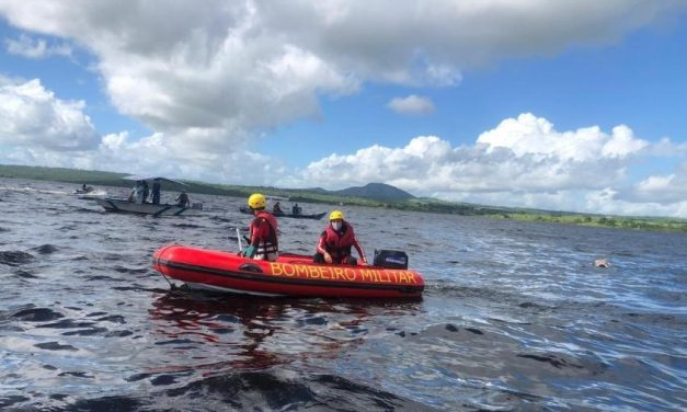 Bombeiros encontram corpos de cinco vítimas de naufrágio de canoa na Bahia