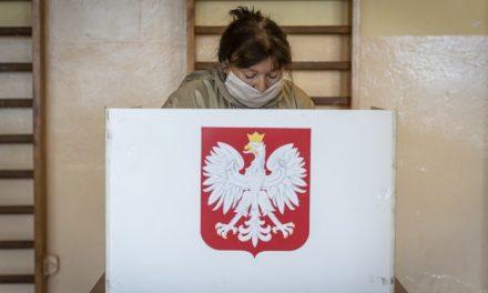 Polônia escolhe presidente em 2º turno acirrado