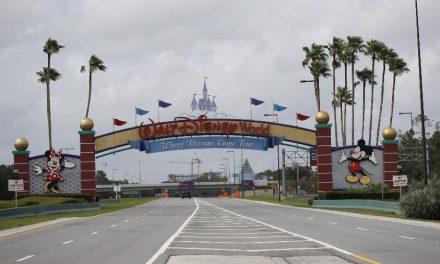 Disney reabre na Flórida com castelo da Cinderela reformado e em meio a alta de casos de Covid