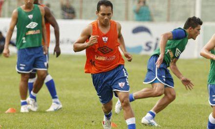 Após passagem pelo futebol carioca, meia Flamel acerta com o Águia para o Parazão