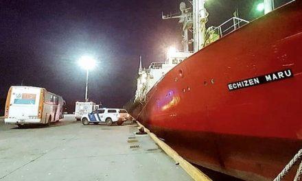Argentina apura como 57 tripulantes isolados por 1 mês no mar pegaram covid-19
