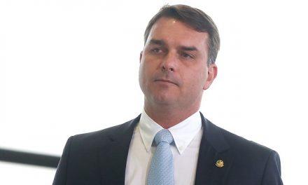 Flávio Bolsonaro deve depor ao MPF sobre vazamento da PF na operação Furna da Onça