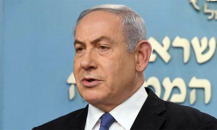 Acusado de corrupção, premiê israelense enfrenta pressão popular e da justiça
