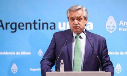 Argentina anuncia que fechou acordo com grupos de credores sobre dívida para tirar país do calote