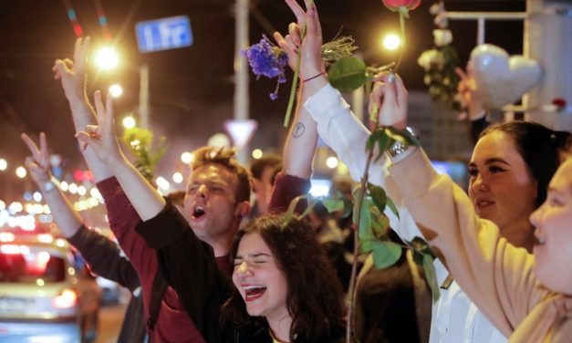 Manifestantes voltam às ruas em Belarus contra governo de Lukashenko