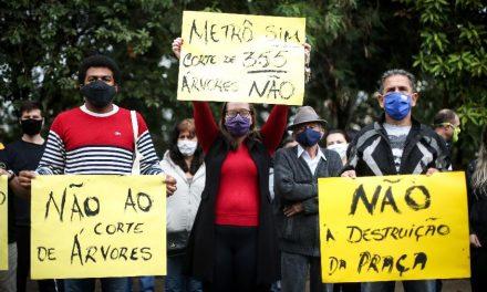 Protesto contra retirada de pelo menos 350 árvores adia obra do Metrô em SP