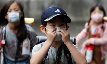 Covid-19: crianças têm alta carga viral e podem ser mais infecciosas, diz estudo