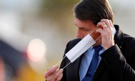 Com 113 mil mortes, Bolsonaro promove evento 'Brasil vencendo a covid-19'