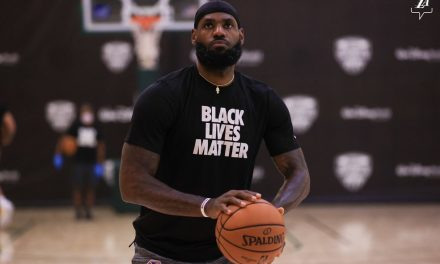 """LeBron James diz que negros americanos têm medo da Polícia: """"Estamos aterrorizados"""""""