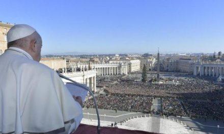 Vaticano readmitirá público para audiências do papa Francisco a partir da próxima semana