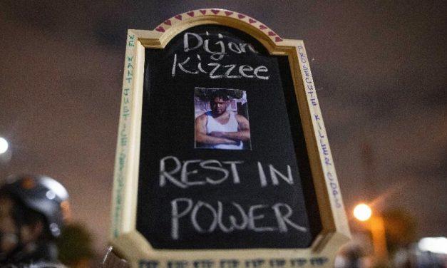 Policiais matam homem negro em Los Angeles e comunidade protesta