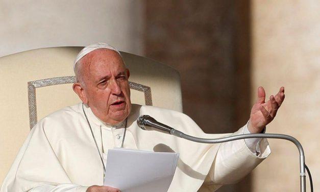 Papa diz a líderes que modelos econômicos pós-pandemia devem mudar
