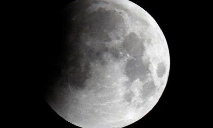 Nasa quer comprar rochas e poeira da Lua extraídas por empresas privadas