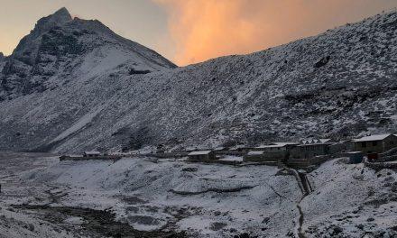 Deslizamentos de terra matam 12 pessoas e deixam 21 desaparecidos no Nepal