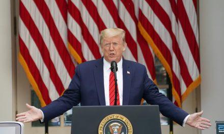 Trump diz que assinou decreto para reduzir preços de medicamentos