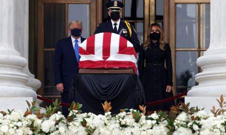 Trump é vaiado em velório da juíza Ruth Ginsburg na Suprema Corte