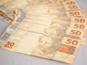 PF acha propina em dinheiro vivo em forro da casa de prefeita em Rondônia