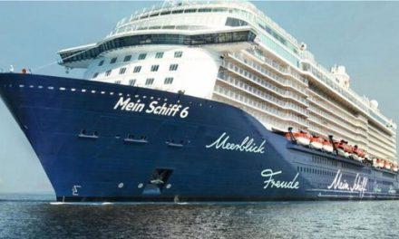 Primeiro cruzeiro a atracar na Grécia após confinamento tem casos de Covid-19