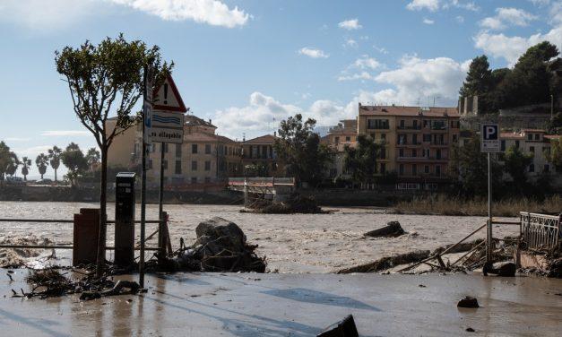 Inundações deixam dezenas de desaparecidos na Itália e na França