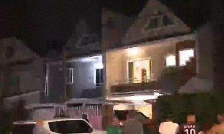 Jovem mata o irmão por engano após bandido entrar na casa da família