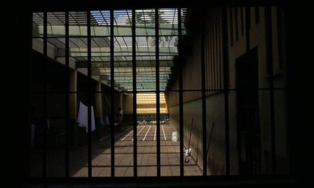 Jovem de 27 anos é absolvido após ficar quase 3 anos preso por crimes que não cometeu, no DF