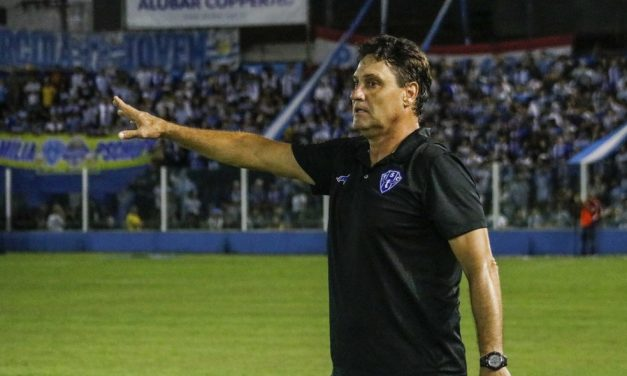 Paysandu negocia o retorno do técnico João Brigatti para a sequência da Série C